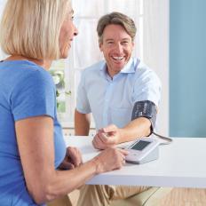 Oberarm-Blutdruckmessgerät-2
